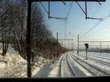 NMBS reeks 26 trekt op met goederentrein in de sneeuw