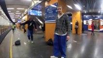 FAIL RER : petit salto dans le RER et hop, le sac qui passe sous les rails... Boulette