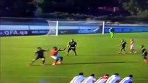 La roulette petit-pont de Chuba Akpom à la Riquelme (England U20 - Toulon 2015)