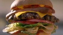 Pub Carls Jr. avec une jolie fille et un gros Burger... Le plus américain des Burgers!