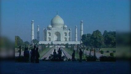 Travel-India-s01-e09