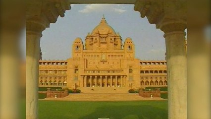 Travel-India-s01-e12