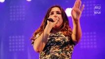 "Izia interprète ""Twenty Times A Day"" au RTL2 Pop-Rock Live"