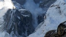 Avalanche Annapurna II Valley, Sikilis Nepal