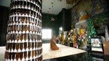 TEMPLO HECHO DE BOTELLAS DE VIDRIO  El templo del millon de botellas