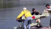 二式水上戦闘機の飛行 Seaplane Fighter to fly.