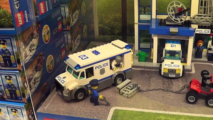 Lego City Police Station & Car can Move in Lego Shop The Curve Shopping Mall