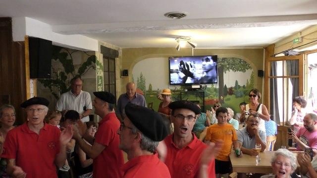 Les mâles au Chœur de Tolosa au Café de France à Issigeac