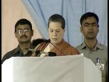 Sonia Gandhi on extends support to farmers
