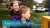 Le Golfeur Phil Mickelson laisse un pourboire de 99$ à des enfants qui vendent de la Limonade