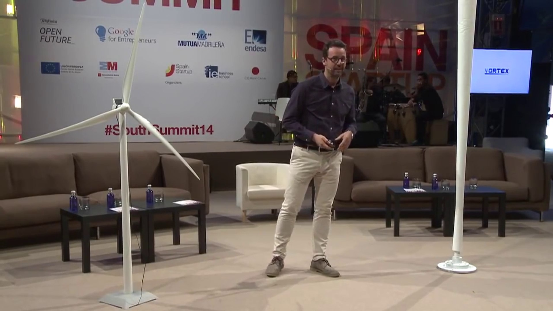Vortex Pitch Bladeless Wind Turbine - The Summit Startup Spain Competition  2014