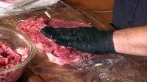 Comment certain restaurants nous font manger de faux steaks à base de viande reconstituée : Meat Glue (colle à viance)