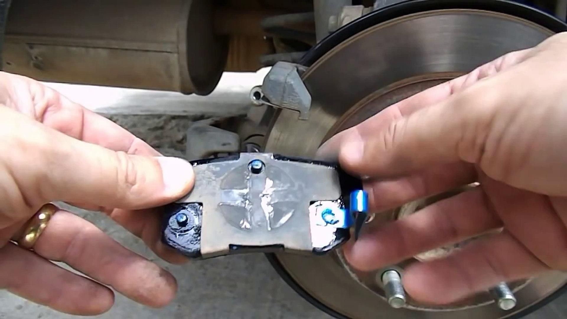 New Civic - Troca da pastilha traseira e pintura do disco de freio