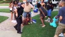 Un policier américain pète un câble et sort son arme après une pool party