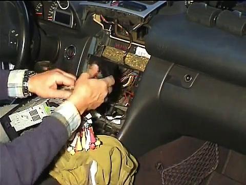 Radio Mercedes Clase C / Instalacion radio Mercedes / Cambio de radio Mercedes C