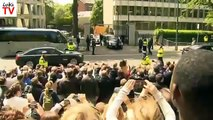 Barack obama´s limo the beast gets stuck in Dublin - Fail
