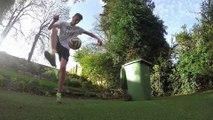 Trick shots, jongles et tirs de fou en Football.