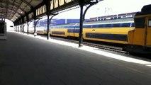 De Intercity treinen ICRm en VIRM in Nijmegen Centraal Station van vijfentwintigste maart 2013
