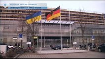 Ukrainian President Berlin Visit: Petro Poroshenko tours German army hospital