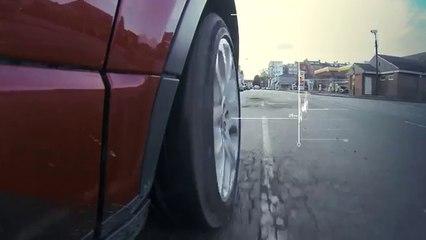 Jaguar Land Rover desenvolve detector de buracos
