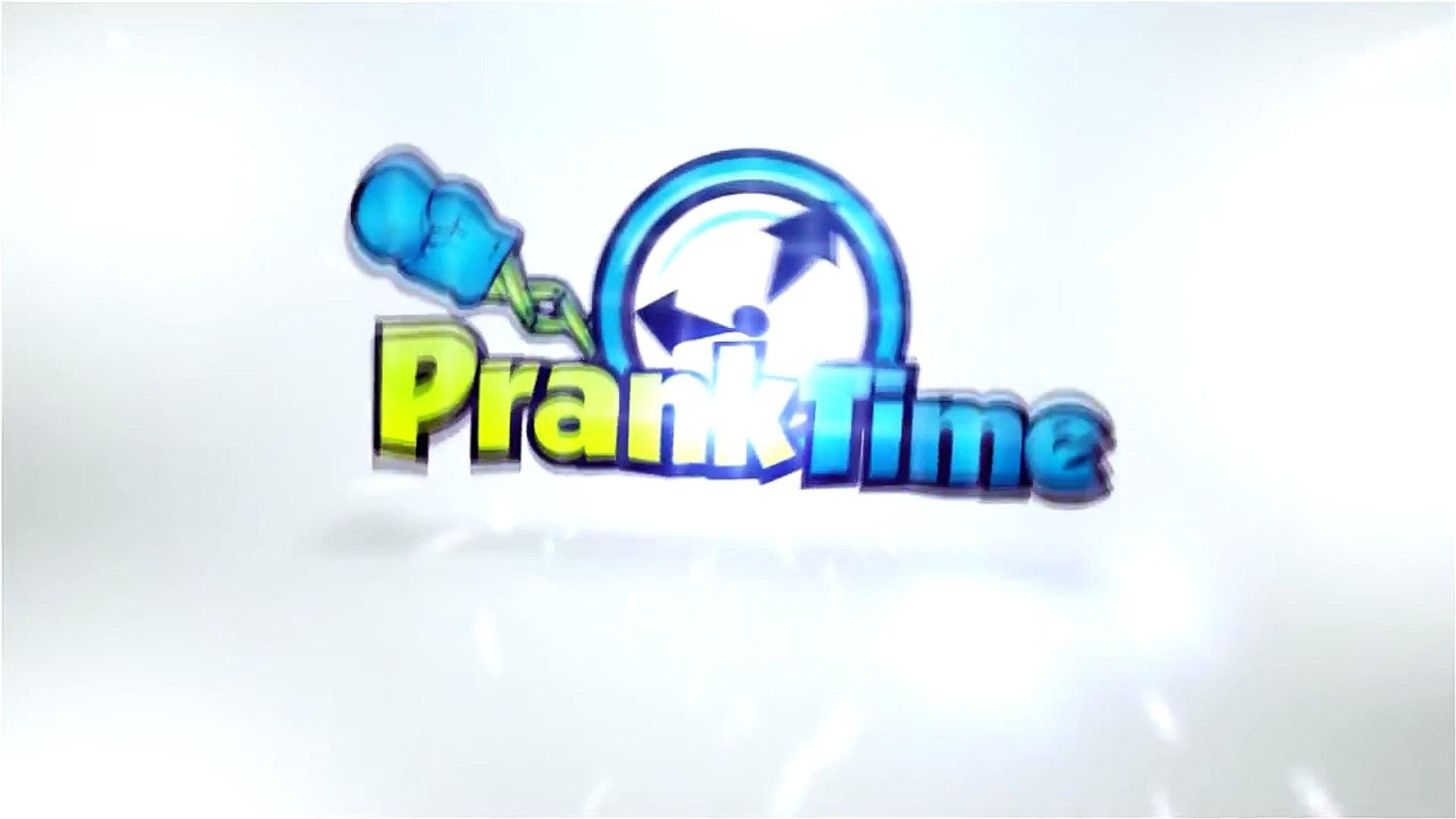 Funny Pranks - Fake Arm Bathroom Prank - Public Pranks - Funny Pranks 2015