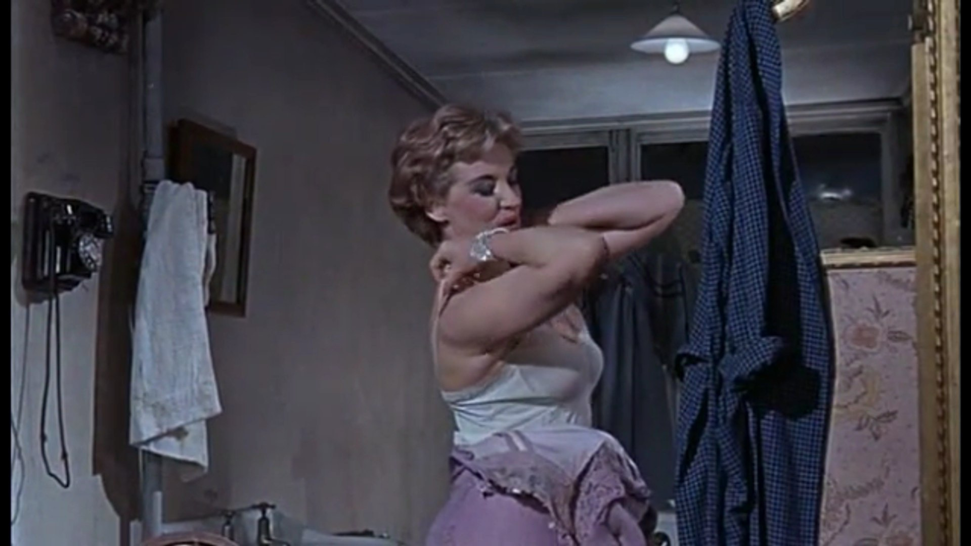 Tunes of Glory (1960) - Alec Guinness, John Mills, Susannah York - Trailer (Drama)