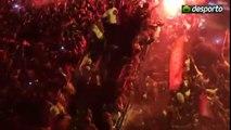 Chegada do autocarro do Benfica campeao 2009 - 2010 / Festa Louca