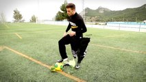 One footed clapping - Street Soccer Groundmoves Skills & Football Freestyle Tricks