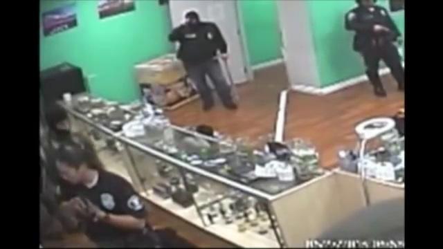 Cops Crazy Raid in Medical Marijuana Dispensary!