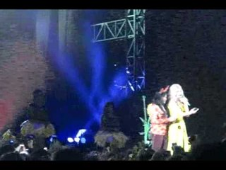 Katy Perry Learns Bahasa Indonesia & selfie with a fan @ The Prismatic Tour Jakarta 150509