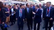 François Hollande hué par les spectateurs lors de son arrivée aux 24 Heures du Mans