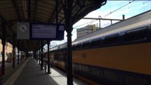 Voorlopig laatste stoptrein richting Zwolle vertrekt uit Groningen - RTV Noord
