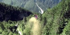 This guy has no fear ! Check this crazy wing suit line