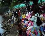 Los saltos mortales de los niños al río Guatapurí en Valledupar