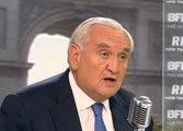 Jean-Pierre Raffarin soutient Manuel Valls sur le 49.3, avant de le tacler