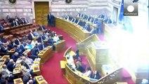 درخواست نخست وزیر یونان از اعضای پارلمان بر�