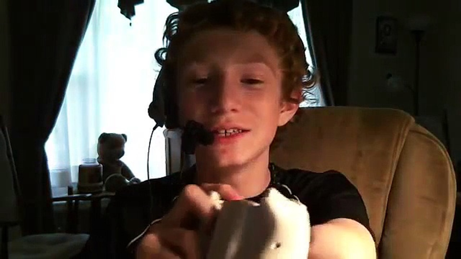 One Arm Kid Plays Xbox