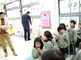 Sponge Balls in kindergarten Balles éponges en maternelle