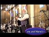 רבי שלמה קרליבך - מוצאי שבת נחמו - Rabbi Shlomo Carlebach - Motzei Shabbes Nachmu
