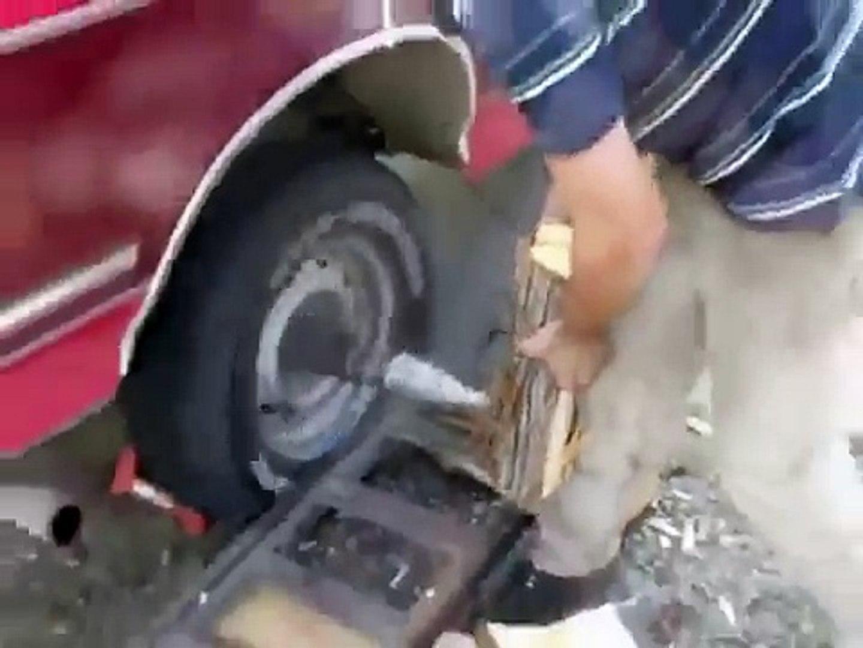 Cum sa spargi lemne cu masina !