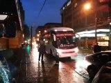 Selección peruana llegó a Temuco en medio de fuerte lluvia e intenso frío (VIDEO)