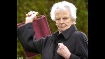 Scottish Lady calls the Scottish Holiday Park