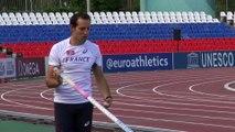 Renaud Lavillenie à l'entraînement