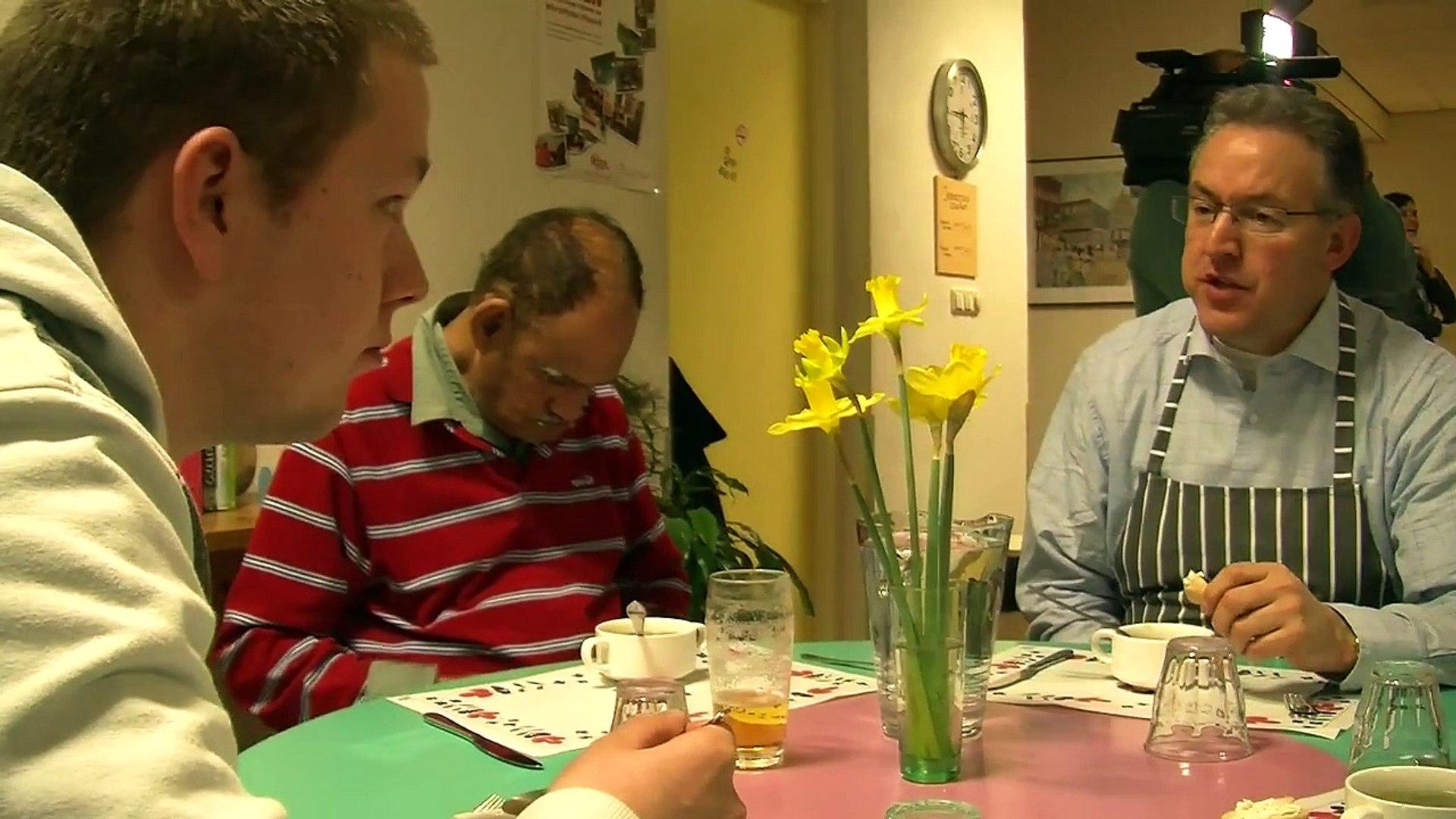 Burgemeesters koken vrijwillig voor clienten op locatie de Haagsche Bluf