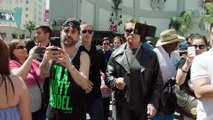 Arnold Pranks Fans as the Terminator...for Charity - Arnold Schwarzenegger dressed up as the Terminator to terrify peopl