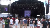 Lower Than Atlantis - Words Don't Come So Easily - Sydney Soundwave 28th FEB 2015