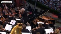 Katia and Marielle Labèque perform Concerto for two pianos by Poulenc - Waldbühne 2005
