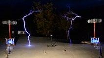 """DJ Bobo Random Techno"" - Musical Tesla Coils"