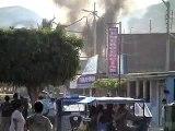 Imágenes de incendio acompañado de fuertes explosiones en Mancora - Piura- Perú