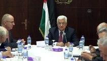 Palestinian President Abbas meets with Palestine Liberation Organization